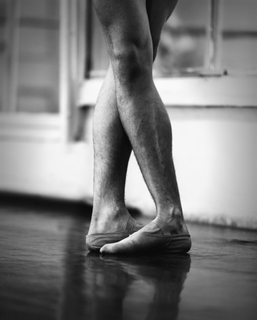 18728054 - men ballet legs in the fifth position